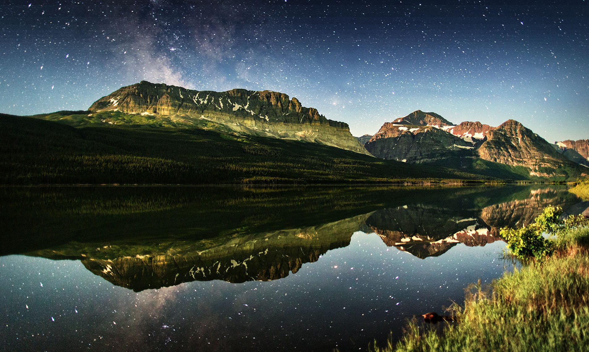 glacier_milky_way_reflection