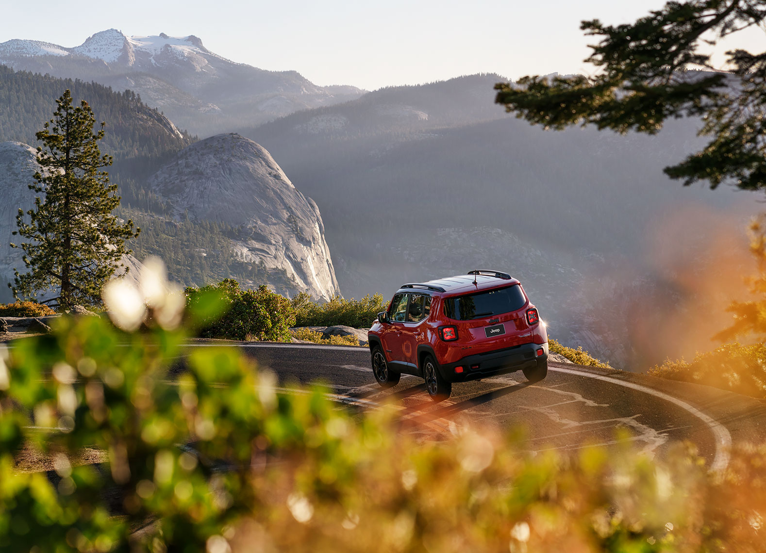 jeep_renegade_yosemite_view
