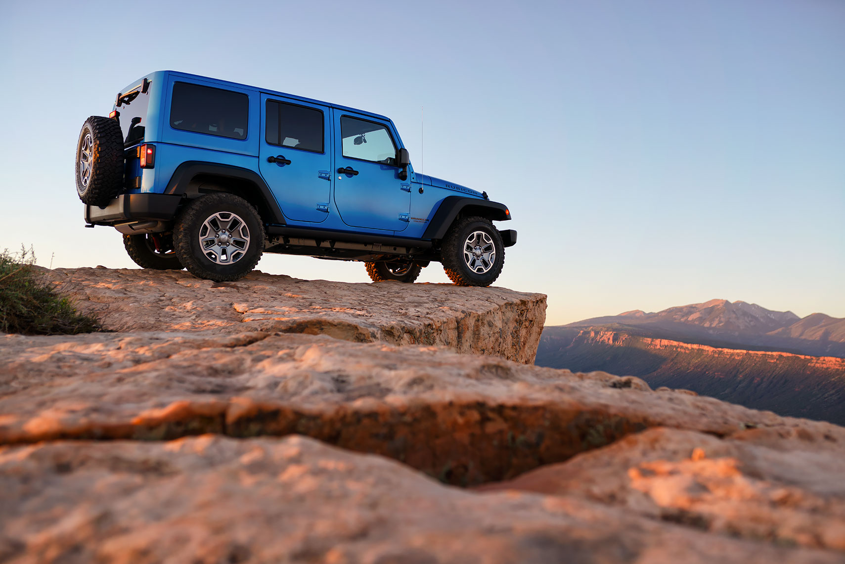 jeep_wrangler_sunset_tight