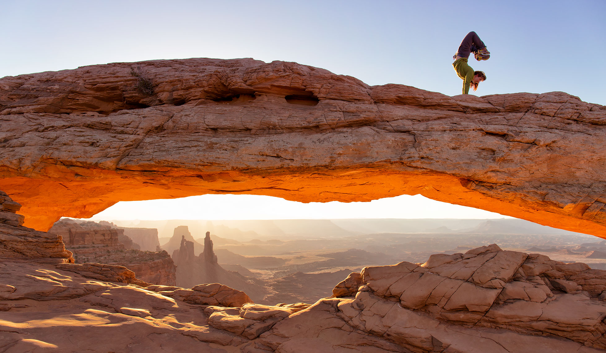 kira_mesa_arch_hanstand_web_commercial_page