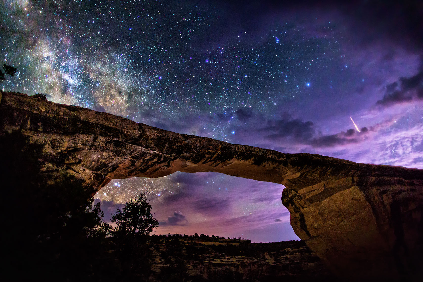 natural_bridge_milky_way